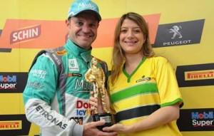 Rubens wins Senna Trophy
