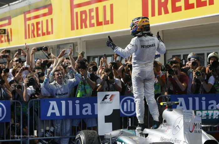 Hamilton in Mercedes